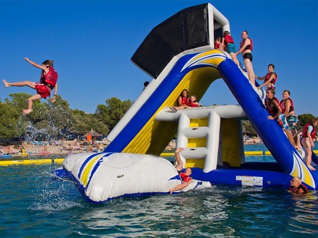 China Inflatable Floating Island Giant Inflatable Water Slide For Adult And Kids BY-WT-002