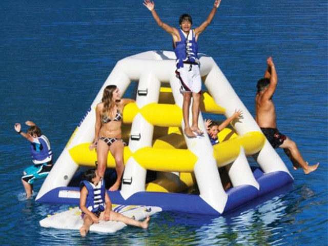 Summer Floating Inflatable Climbing Water Tower / Giant Inflatable Floating Water Slide BY-WT-012